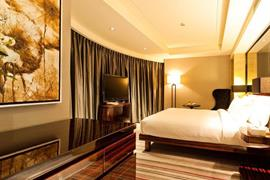78656_006_Guestroom