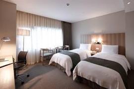 99519_005_Guestroom