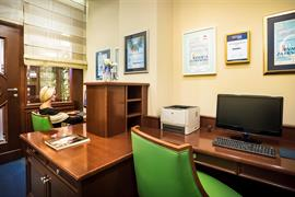 89502_002_Businesscenter