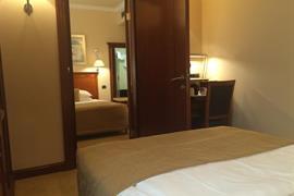89502_005_Guestroom