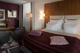 89097_003_Guestroom