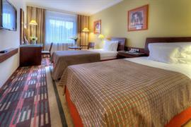 89097_006_Guestroom