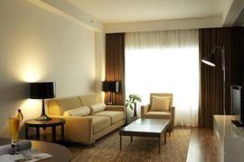 99512_006_Guestroom