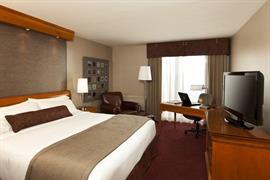 67007_006_Guestroom