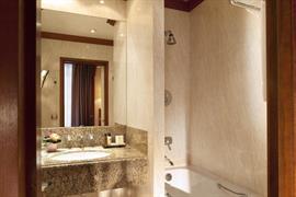 93507_004_Guestroom