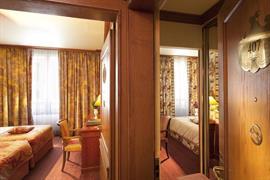 93507_005_Guestroom