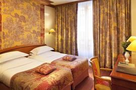 93507_006_Guestroom