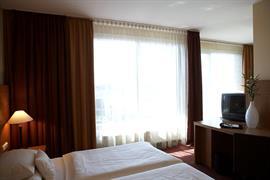 95335_004_Guestroom