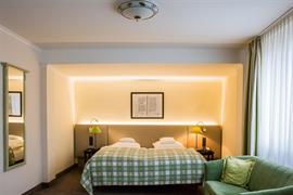 95023_002_Guestroom
