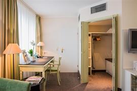 95023_003_Guestroom