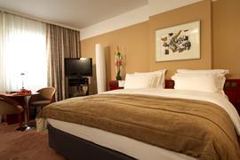 89400_006_Guestroom