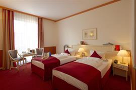95182_005_Guestroom