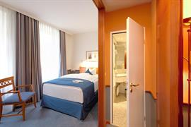 95182_006_Guestroom