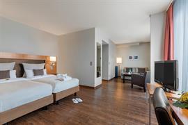 95390_003_Guestroom