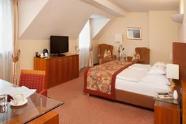 89025_004_Guestroom