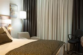 78030_003_Guestroom