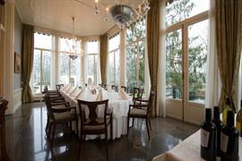 92729_007_Restaurant