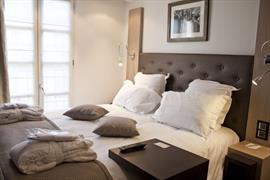 93748_002_Guestroom
