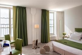 93584_003_Guestroom