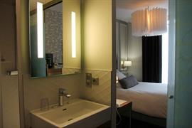 93778_006_Guestroom