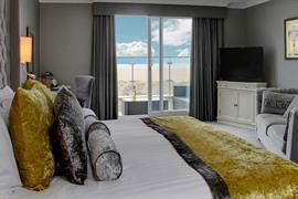 glendower-promenade-hotel-bedrooms-41-83699
