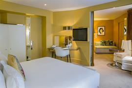 93808_003_Guestroom