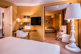 93808_004_Guestroom