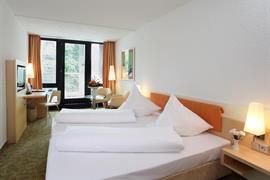 95369_001_Guestroom