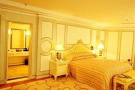 78606_005_Guestroom