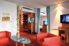 95391_006_Guestroom