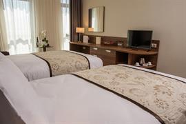77722_007_Guestroom