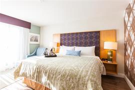 66121_001_Guestroom