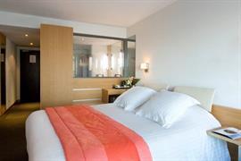 93658_002_Guestroom