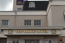 yew-lodge-hotel-grounds-and-hotel-11-83652-OP
