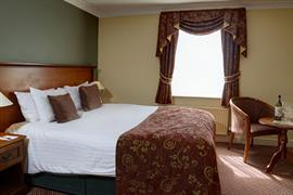 yew-lodge-hotel-bedrooms-38-83652