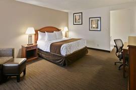 03061_004_Guestroom