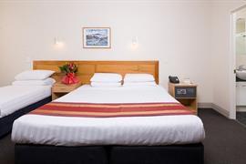 85450_002_Guestroom