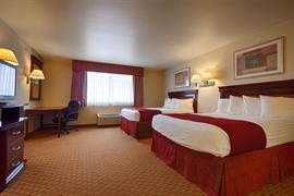 44570_007_Guestroom