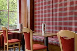 queens-hotel-dining-31-83495
