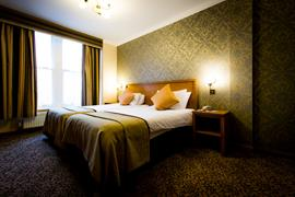queens-hotel-bedrooms-05-83495