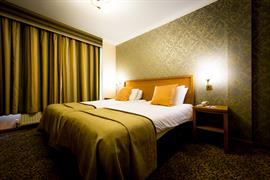 queens-hotel-bedrooms-06-83495