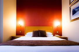 queens-hotel-bedrooms-07-83495