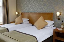 queens-hotel-bedrooms-12-83495
