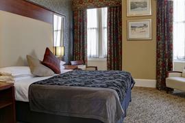 queens-hotel-bedrooms-13-83495