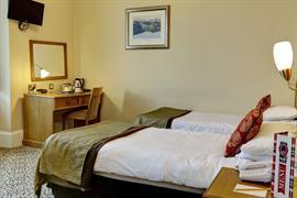 queens-hotel-bedrooms-14-83495