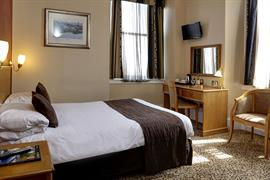 queens-hotel-bedrooms-15-83495