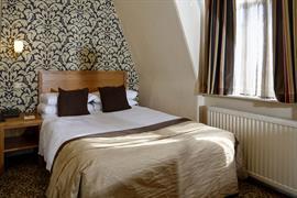 queens-hotel-bedrooms-16-83495