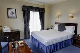 queens-hotel-bedrooms-48-83496