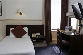 queens-hotel-bedrooms-53-83496
