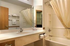 50107_004_Guestroom